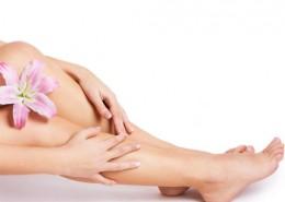 Frauenbeine rasiert